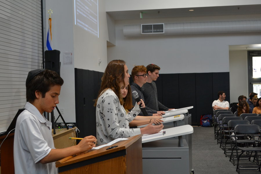 DEBATE%3A+Candidates+disagreed+and+agreed+on+a+myriad+of+topics+including+the+Just+Community+constitution%2C+how+they+would+represent+the+student+body%2C+and+how+to+improve+Town+Hall.+