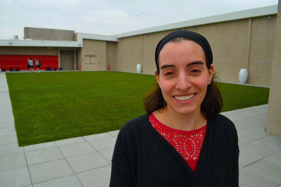ALUMNA%3A+Dr.+Smith+was+valedictorian+of+Shalhevet%27s+class+of+2004.+She+went+on+to+college+at+Brandeis+and+recently+received+her+Ph.D.+from+NYU.